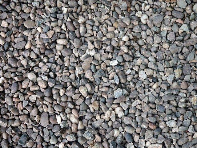 Gravier, pierre concassée et sable